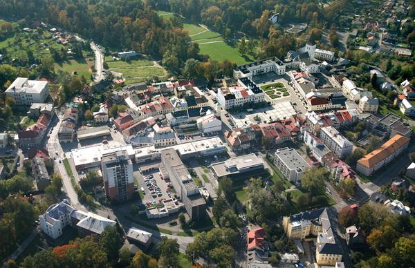 Letecký snímek historického centra v Karviné-Fryštátě.JPG