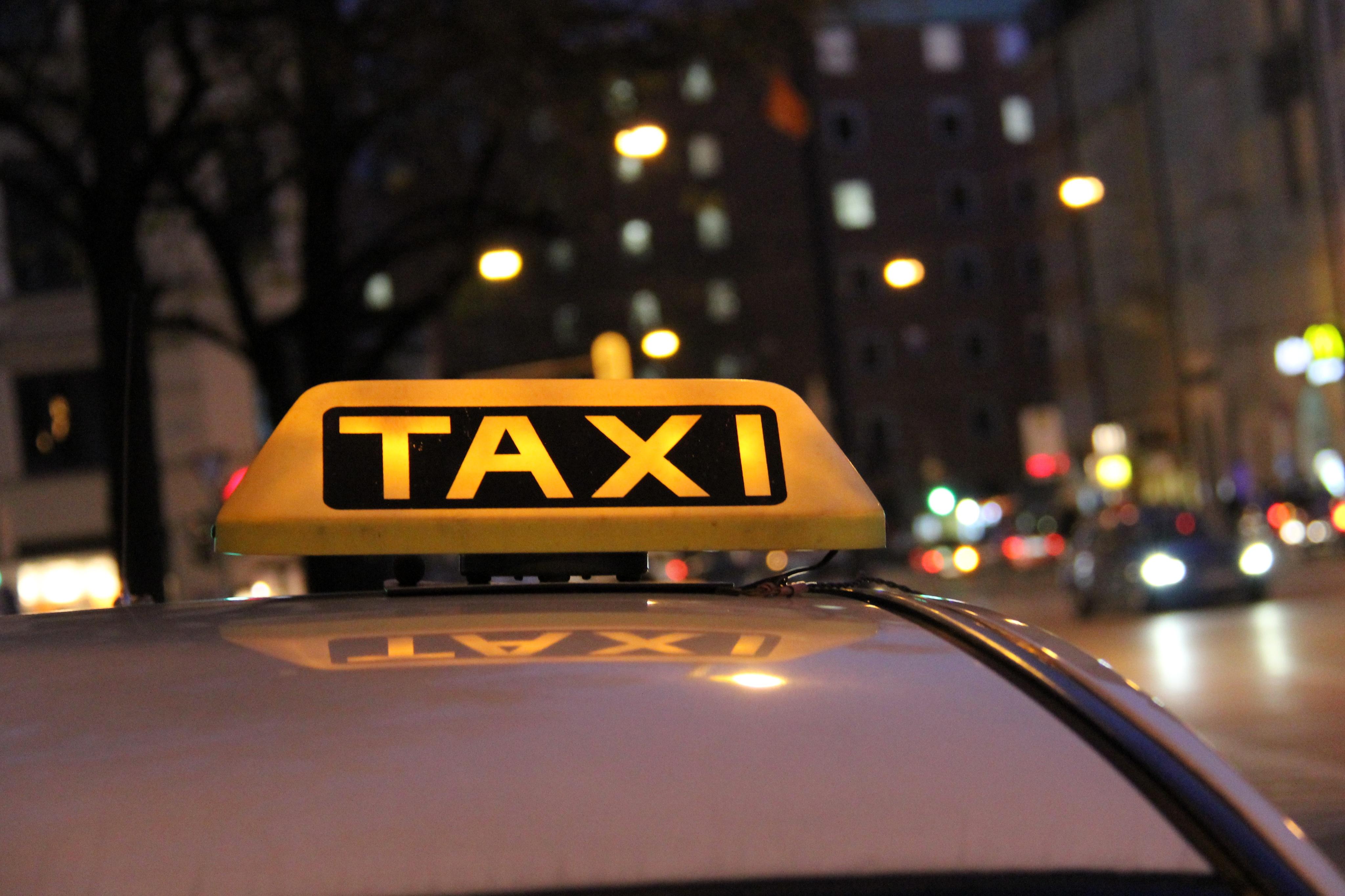 taxi-nachtfahrt-10578439993-.jpg