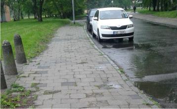 perex_chodník Einsteinova.jpg