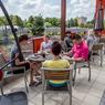 Terasa literární kavárny Regionální knihovny v Karviné-Mizerově.jpg