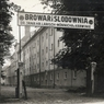 1939 - Vstupní brána do pivovaru.jpg