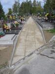 Chodník na Centrálním hřbitově